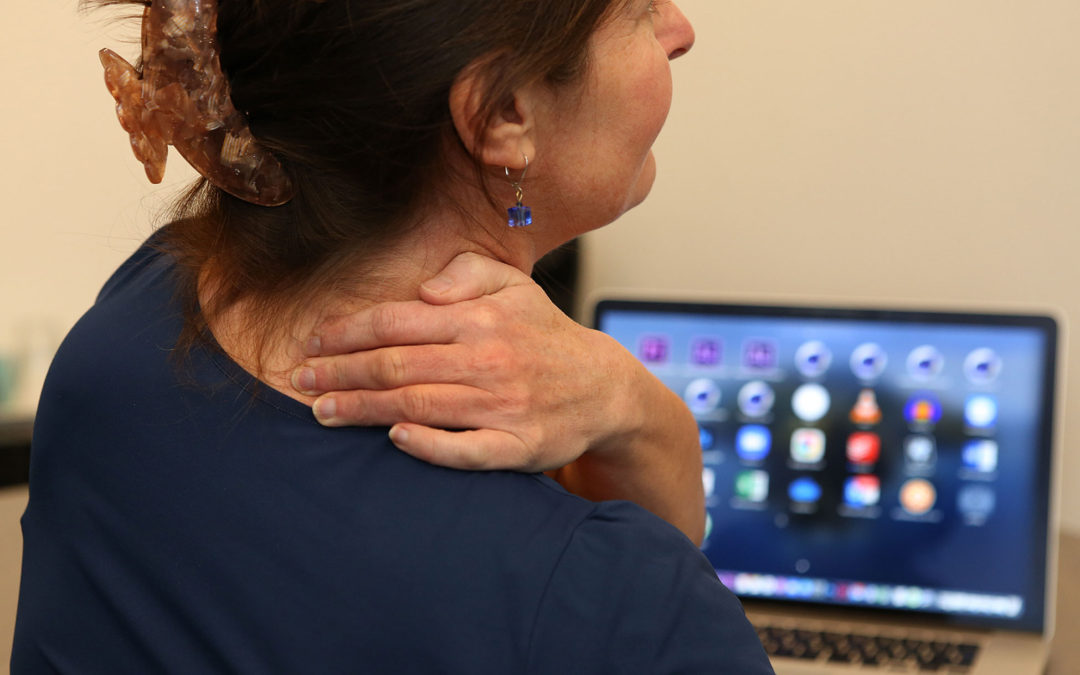 Pijn in schouder met uitstraling naar arm en hand   7 Tips en oefeningen